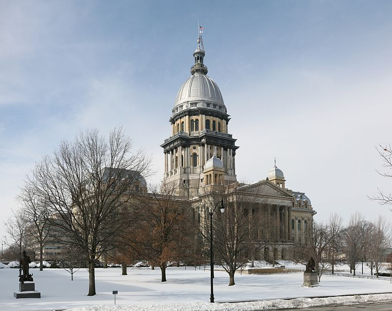 800px-Illinois_State_Capitol_pano