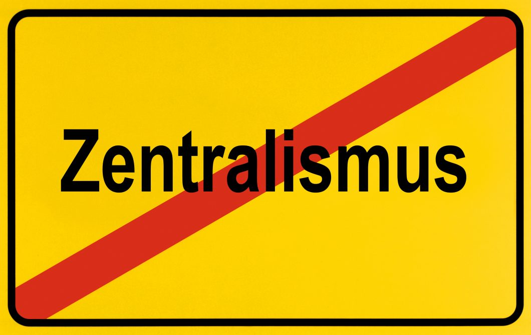 German city limits sign symbolising end of centralism