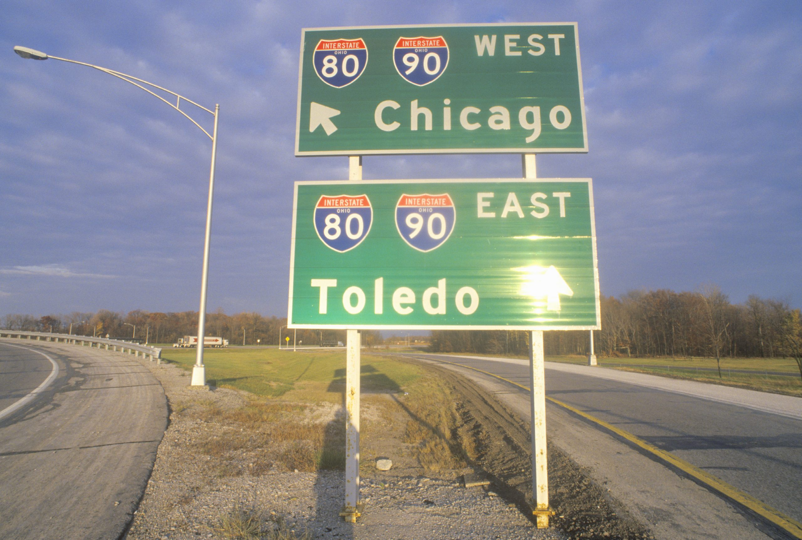 Chicago, IL and Toledo, OH interstate highway sign