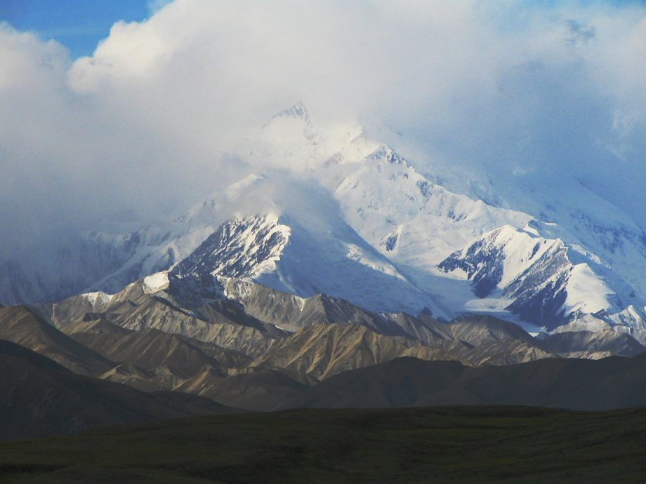 Mount_McKinley_Shrouded_2048px