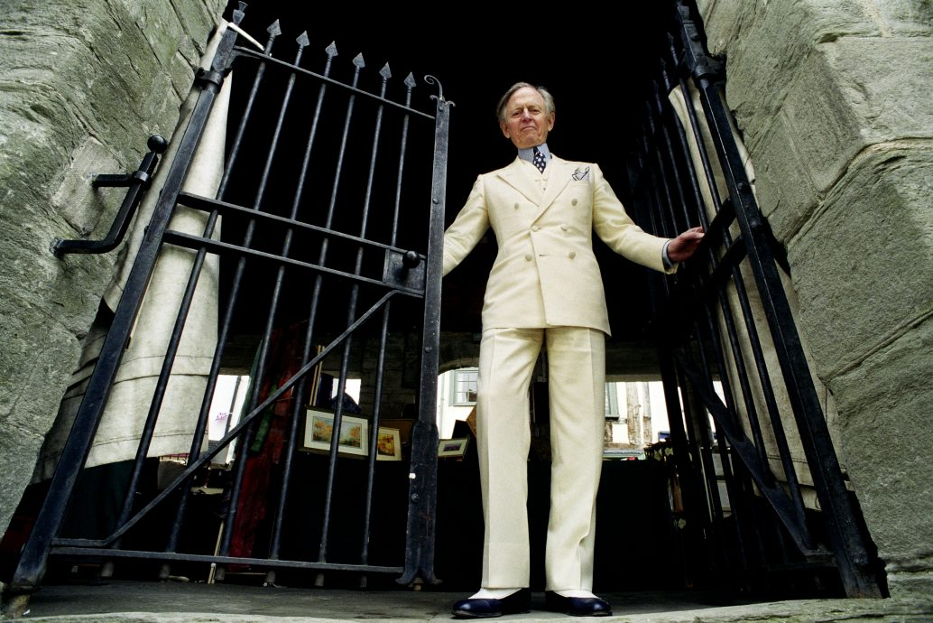 Author Tom Wolfe at the Hay literary festival in Hay on Wye Herefordshire UK on 7 June 1999