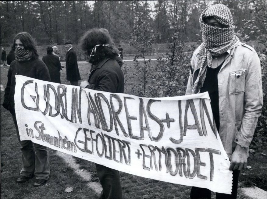 Apr. 18, 2012 – Burial of the Baader-Meinhof-prisoners: On the Dornhalden-Churchyard in Stuttgart (FRG) on October 27th, 1977 took place the burial for Andreas Baader, Gudrun Ensslin, and Jan Carl Raspe, who in the prison of Stuttgart Stammhein on October