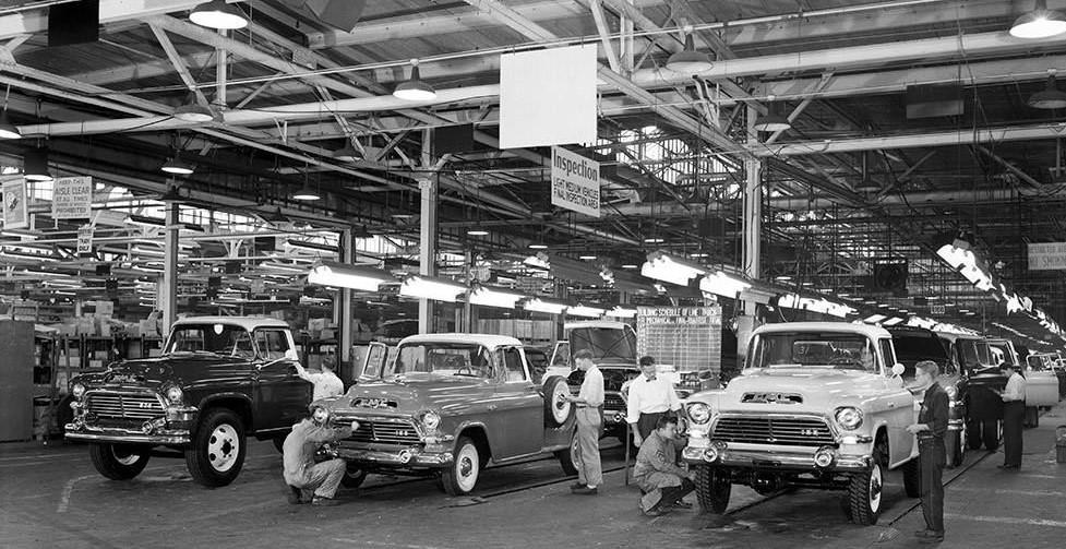General Motors plant 1957 Pontiac Michigan automobiles