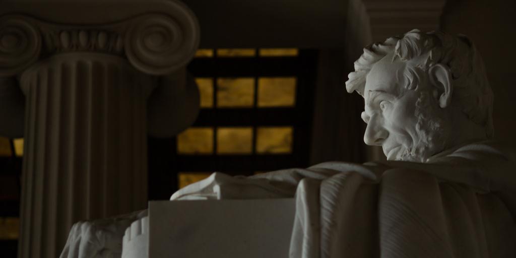 lincoln memorial (profile)