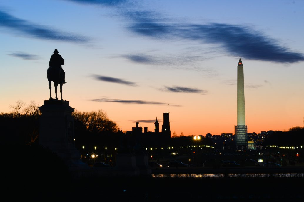 shutterstock_170293973 (Night in DC)