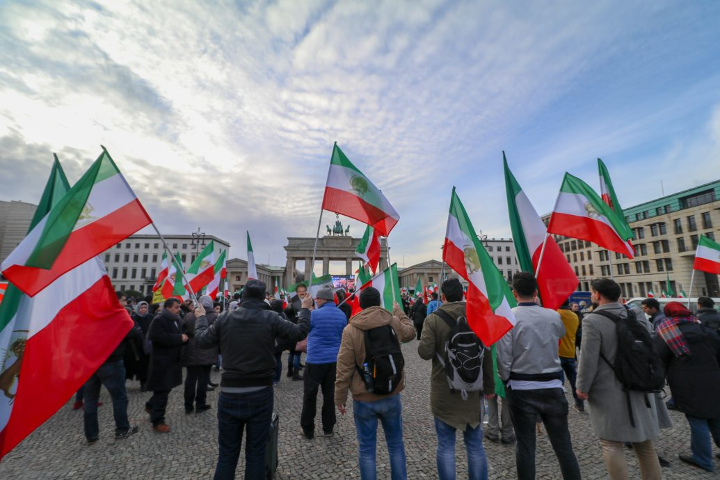 shutterstock_787793086 (Iran Protests in Berlin)