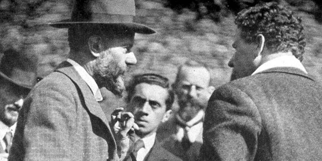 Max Weber (middle, facing right) in 1917 with Ernst Toller (middle, facing camera)