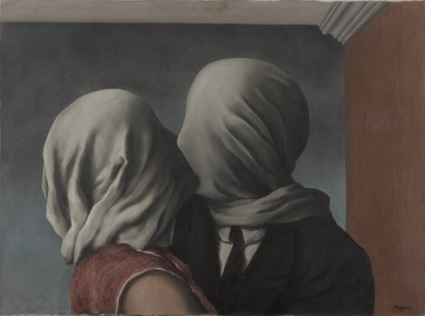 Magritte.-The-Lovers-469×349